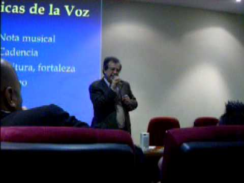 Seminario dictado por René Figueroa a colegas locutores en Ecuador.