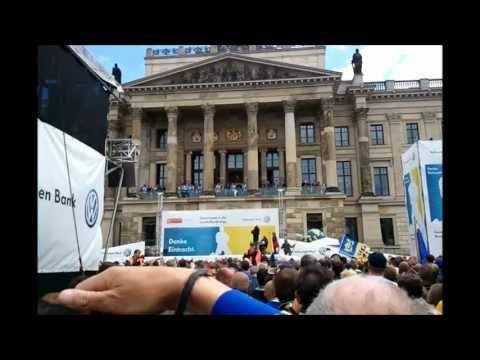 Eintracht Braunschweig Aufstiegsfeier Schlossplatz 15.05.2011(Mit Videos, OB-Rede und Fotos)