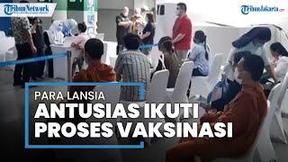 Wanita 68 Tahun Ikut Vaksinasi Covid-19 di Area Masjid Istiqlal, Lani: Semangat, Jangan Takut
