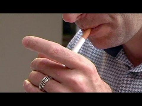 La justice internationale a donné raison au gouvernement uruguayen dans son bras-de-fer avec le groupe Philip Morris.  L'Uruguay a adopté une réglementation anti-tabac que le cigarettier conteste. Philip Morris met en avant des accords commerciaux passés avec l'Uruguay. S'estimant lésé, le groupe américano-suisse réclamait 25 millions de dollars de compensations.  Le jugement a été rendu par le tribunal arbitral de la Banque mondiale (CIRDI, Centre international pour le règlement des différends. Source: Euronews (en français)