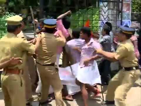 Street Fight Police and Students Pathanamthitta at kerala   YouTube