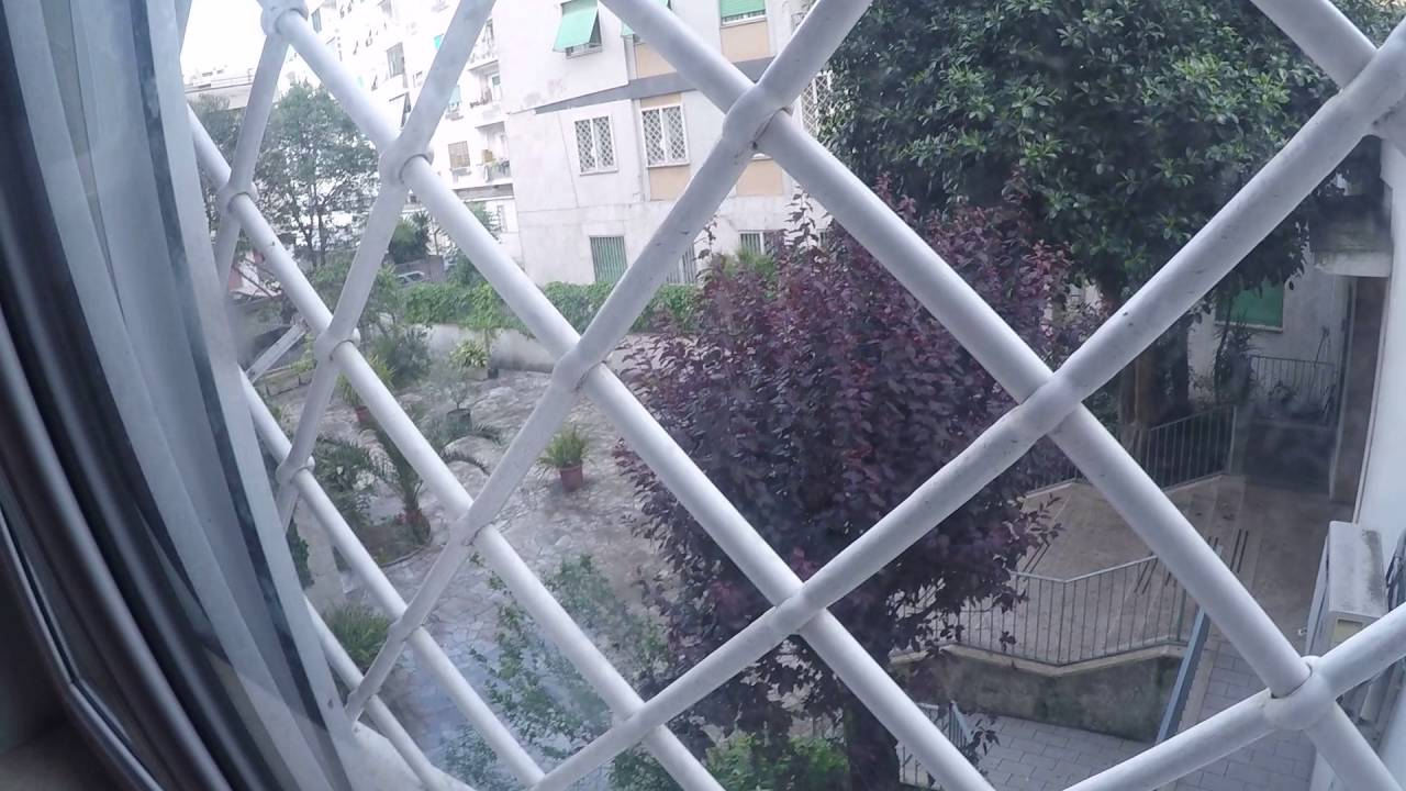 Rooms for rent in 100m2 3-bedroom apartment with balcony in laid-back Tuscolano