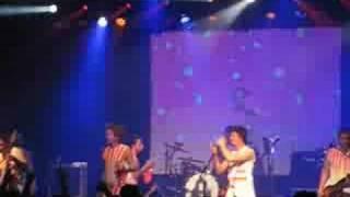 2 Skinnee J's - Riot Nrrrd (NYC 8.9.08)