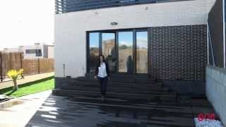 preview picture of video 'Chalet con jardín - One Residencial: Visita Chalet Piloto'