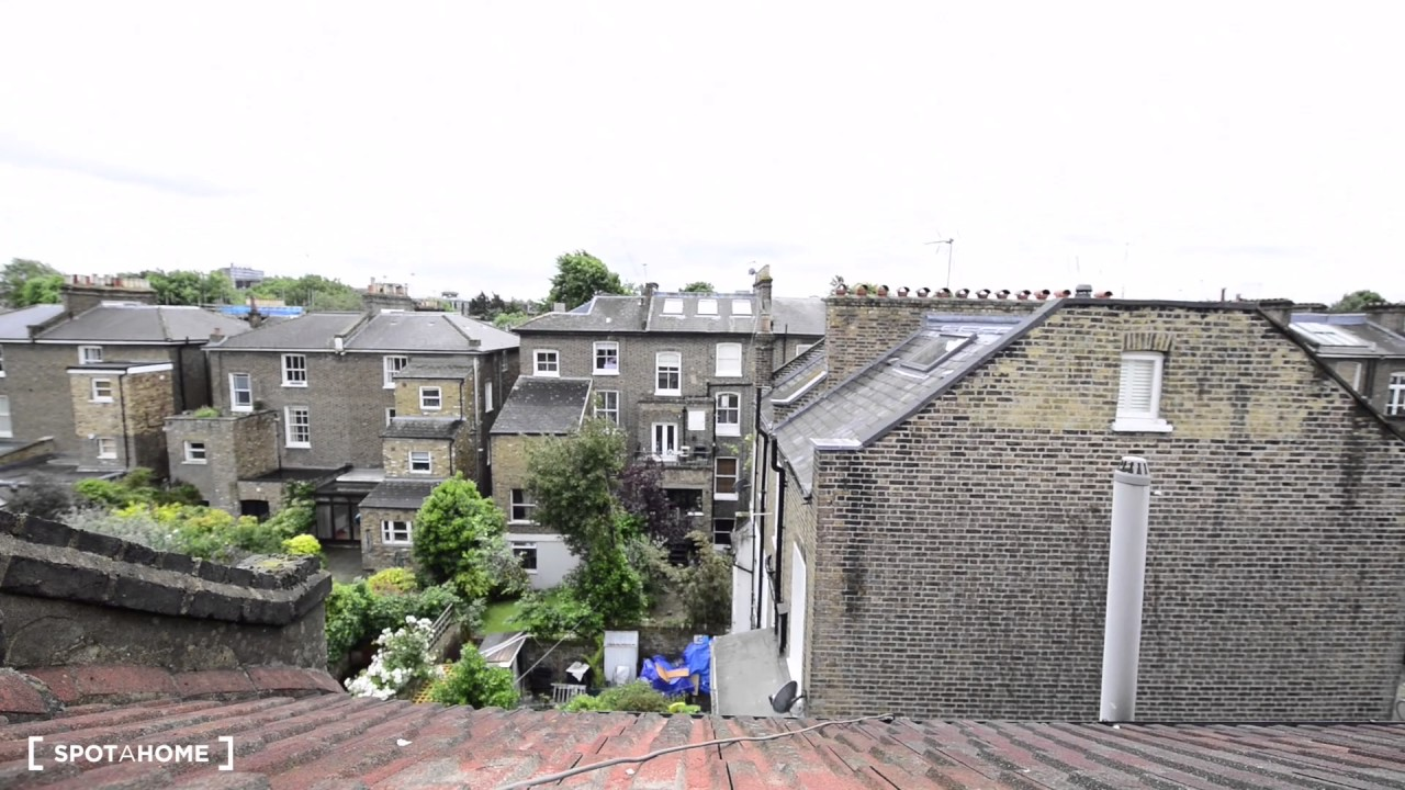 Rooms to rent in 4-bedroom apartment close to Camden Town - postgraduates and professionals