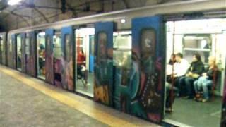 preview picture of video 'Rome train Graffiti'