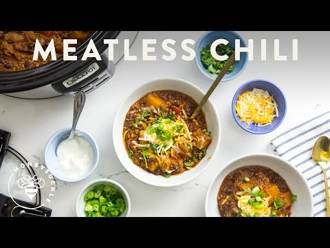 Healthy MEATLESS CHILI with Crock-Pot® Slow Cooker - Honeysuckle