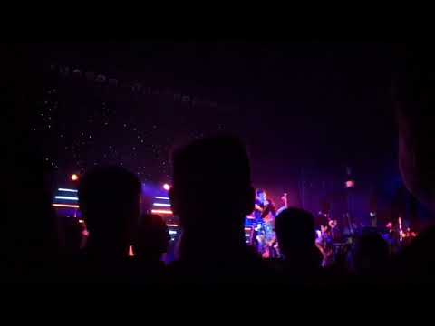 Owl city (cinematic concert Chicago IL 10/13:18) - игровое