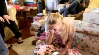 Daughters Reaction to Iphone Christmas Gift
