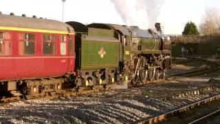 preview picture of video 'Chester 30.11.2013 - 70013 Oliver Cromwell on The Christmas Cheshireman'