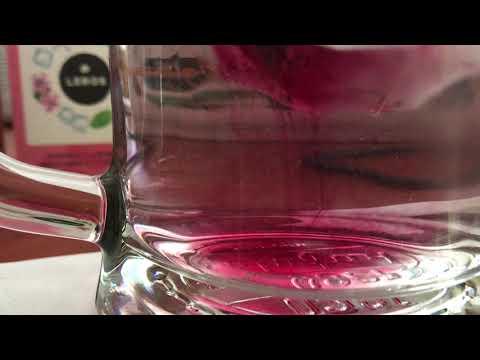 Bylinná zmes s bucco a mätou vytvorená špeciálne na prípravu osviežujúceho ľadového nápoja.