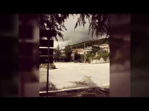 Greci /alla rotonda /nuvole è pioggia