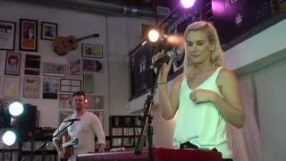 Broods - Four Walls (Acoustic) LIVE High Quality Mp3 (2016) Long Beach Fingerprints Music
