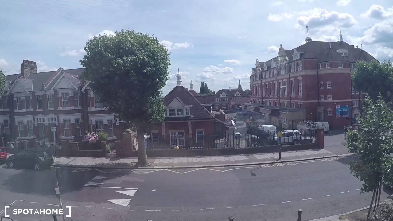 Rooms to rent in 3-bedroom shared flat in Kensal Green
