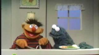 Sesame Street: Ernie's Eating Utensils