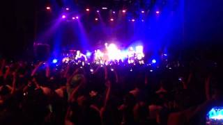 LMFAO / FUN RADIO PARTY ROCK ANTHEM live @ bataclan