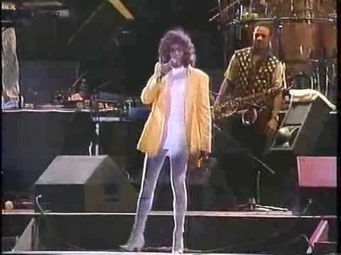 Whitney Houston - You Make Me Feel ( Like A Natural Woman ) - HQ Live BRAZIL