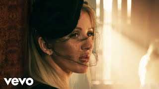 First Time - Ellie Goulding feat. Ellie Goulding (Video)