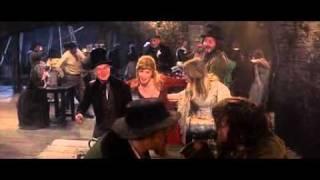 Kadr z teledysku Oom-pah-pah! tekst piosenki Oliver!