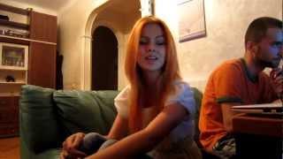 Смотреть онлайн Девушка классно поет красивую песню