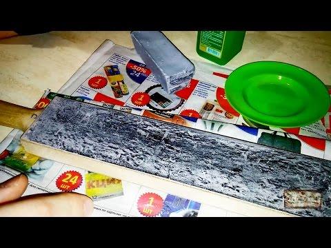 Нанесение серой пасты Dialux на доску (досточку) для правки ножа со спиртом