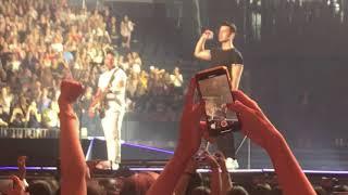 Jonas Brothers Sing Sucker   NYC Night #1