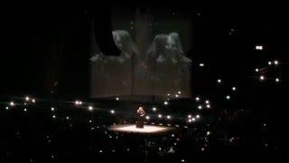 Adele - Someone Like You (crowd singing!!)