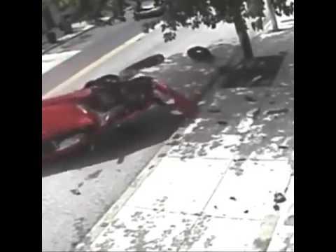 """Водитель под """"кайфом"""" врезался в дерево"""