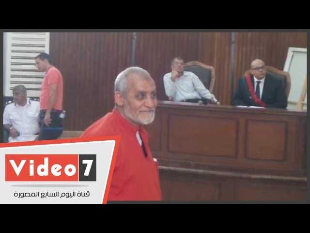 """ظهور محمد بديع """"مرشد الإخوان"""" ببدلة الإعدام لأول مرة"""