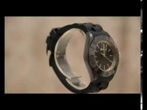 Video Lacoste Damen Armbanduhr Keramik Biarritz Silikonarmband blau 2000725
