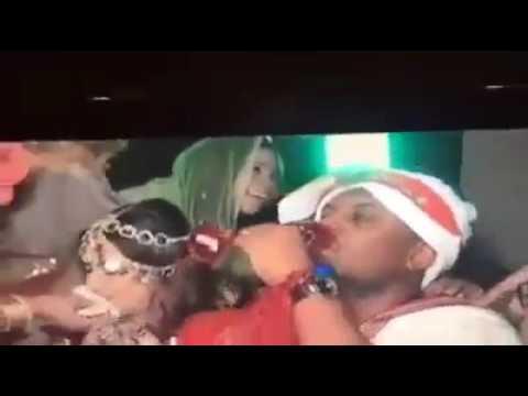 فيديو.. بخة لبن ما قلنا شي ﺭﻗﺼﺔ ﻋﺮﻭﺱ ﻣﺎ ﻗﻠﻨﺎ ﺷﻲ ﻟﻜﻦ ﻛﻤﺎﻥ ﻭﺻﻠﺖ ﻗُﺒَﻞ، انتقاد القبلات الساخنة في أعراس السودان