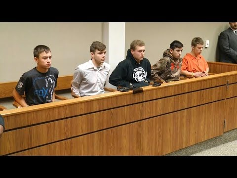Five teens charged for murder after throwing rocks