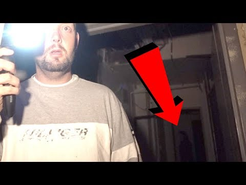 HAUNTED BASEMENT AT 3AM (REAL GHOST SHOWS ITSELF)