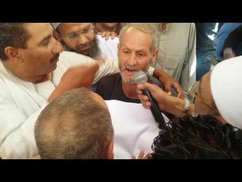 فيديو .. لحظة تقديم الكفن بين أبناء عائلة حباريق بسقارة