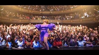 Breaking! Crowd Go Gaga As Yemi Alade Performs On Stage