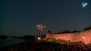 Салют ко Дню Победы в Великом Новгороде