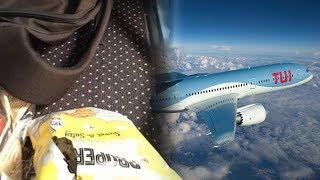 Telah Bayar Rp23,5 Juta, Satu Keluarga Tak Dapat Kursi di Pesawat dan Terpaksa Duduk di Lantai
