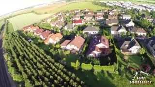 preview picture of video 'FPVPhoto.cz - Průlet nad Zelenčem 2 - Kaplička, Pod Dráhou, Pampeliška, U tratě'