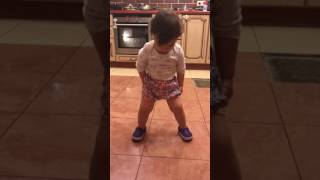 Ребёнок танцует. Despacito. Танцы . Dance