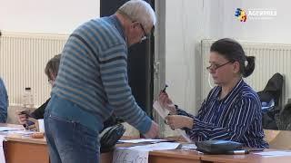 #Prezidenţiale2019/Secţiile de votare s-au deschis; peste 18 milioane de români sunt aşteptaţi la urne