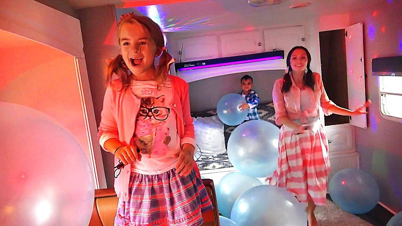 Just Dance 2018 Anytime, Anywhere - In a Camper