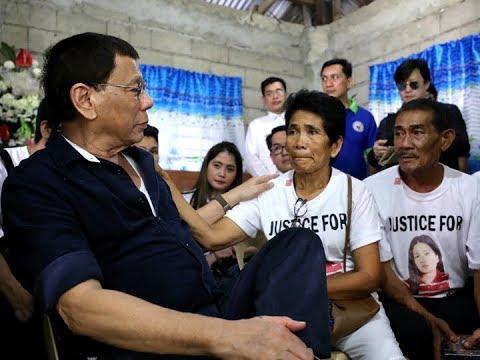 Pangulong Rodrigo Duterte, personal na nag-abot ng tulong sa pamilya ni Joanna Demafelis