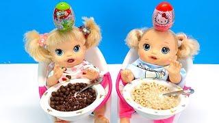 Куклы Пупсики СЮРПРИЗЫ НА ГОЛОВЕ, Кушаем Завтрак, Шоколадные Шарики Игрушки для детей 108mamaTV