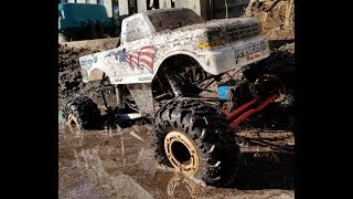 Super Patriot Mud Bashing! Brushless Axial SMT10