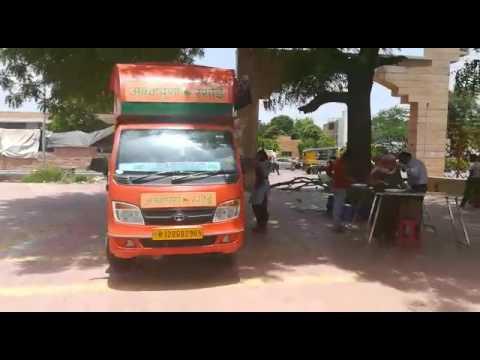 Annapurna Rasoi van of Rajasthan gov at MDM hospital