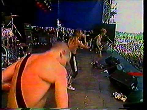 Red Hot Chili Peppers - Crosstown Traffic [Pinkpop Festival, Landgraaf, Netherlands 1988-05-23]