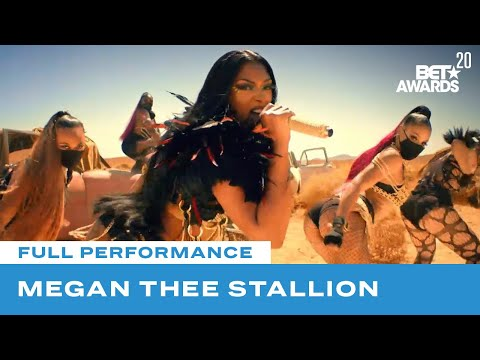 """Megan Thee Stallion Is A Hot Girl With """"Girls In The Hood"""" & """"Savage"""" Performance 