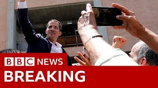 Juan Guaidó vuela a Venezuela en medio de un riesgo de arresto – BBC News