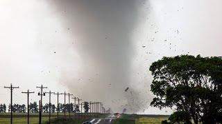EF-3 tornado near Dodge City, Kansas: May 24, 2016