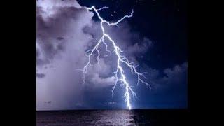 """Powerful """"Lightning Strikes The Bayou"""" Baton Rouge, Louisiana"""